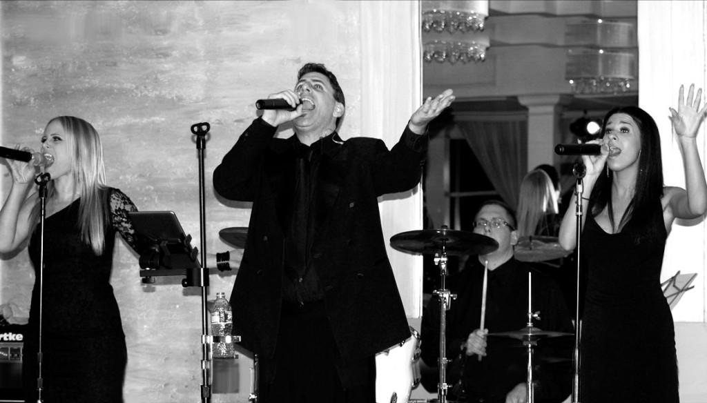 Skyline Long Island Wedding Band